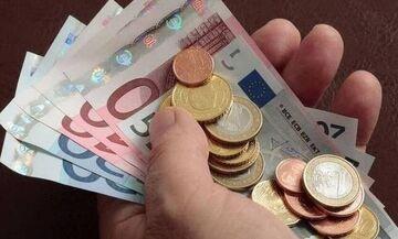 Επίδομα 534 ευρώ: Ποιοι δεν θα το λάβουν και ποιοι πρέπει να ξανακάνουν αίτηση