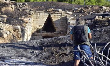 Στων... Μυκηνών την ολόμαυρη ράχη - Φωτογραφίες μετά τη φωτιά