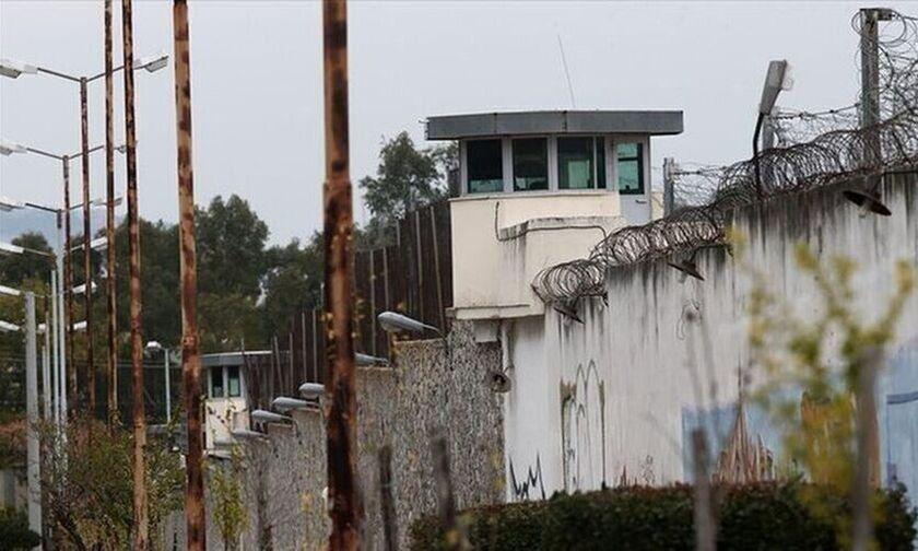 Φυλακές Κορυδαλλού: Αυτοσχέδια μαχαίρια,ναρκωτικά και κινητά τηλέφωνα εντοπίστηκαν σε έλεγχο