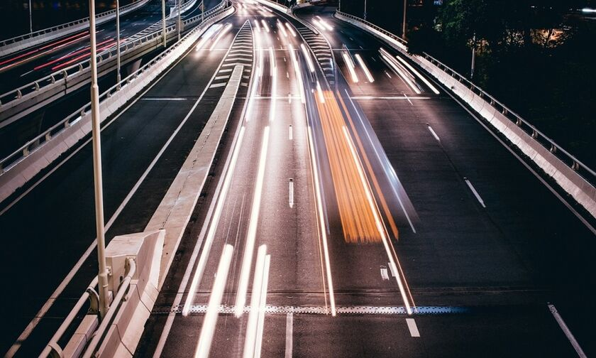 Οδηγός πήγαινε ανάποδα για 13 χιλιόμετρα στον Περιφερειακό Χαλκίδας – Σχηματαρίου (vid)