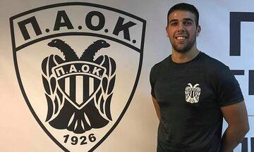 O παίκτης του ΠΑΟΚ, Αλέξανδρος Αποστόλου, έκανε πασαρέλα στο GNTM! (pic - vid)