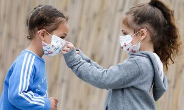 Δημοσιεύτηκε το ΦΕΚ: Απουσία στους μαθητές που δεν θα φοράνε μάσκα