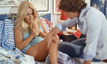 Γκιζέλα Ντάλι: Η Ελληνίδα Μπριζίτ Μπαρντό, οι ερωτικές ταινίες, ο Γιαννακάς και ο π... ο καρκίνος