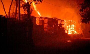Πέντε άτομα συνελήφθησαν για τη φωτιά στη Μόρια