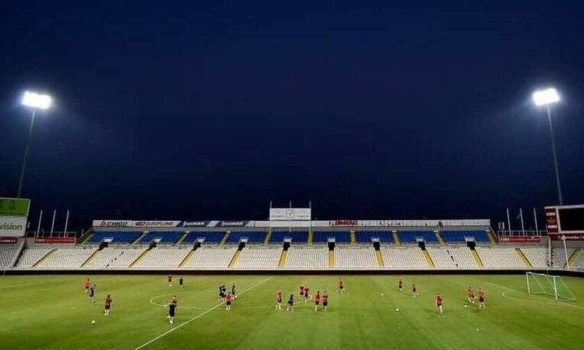 Ομόνοια – Ερυθρός Αστέρας: Το πανό των οργανωμένων οπαδών του ΑΠΟΕΛ στο γήπεδο (pic)