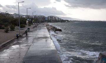 Ιανός: Αλλάζει κατεύθυνση ο κυκλώνας (vid)