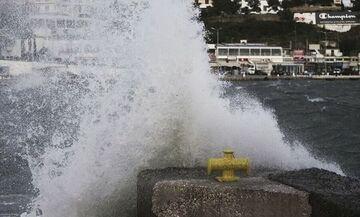 Καιρός: Στην Κρήτη ο κυκλώνας «Ιανός» - Έκτακτα Δελτία θυελλωδών ανέμων