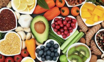 Οι τροφές που χρειάζεστε μετά τα πενήντα