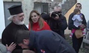Χαρδαλιάς: Δεν φίλησα το χέρι του ιερέα, έκλινα από σεβασμό στο ράσο (video)!