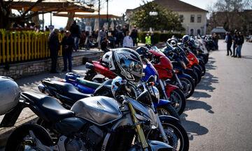 Δεν θα οδηγούν μοτοσυκλέτα 125 κυβικών όσοι έχουν δίπλωμα αυτοκινήτου