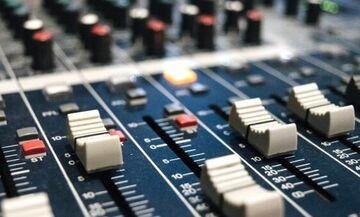 ΟVERfm 104,9: To αθλητικό ραδιόφωνο των δημοσιογράφων