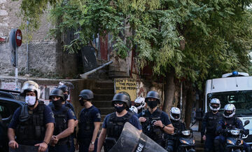Επιχείρηση εκκένωσης κατάληψης στο Παγκράτι (pic - vid)