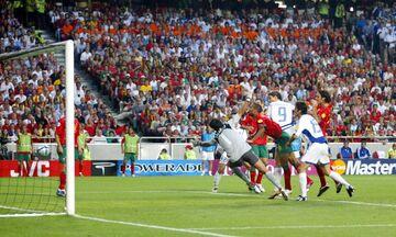 2004: Ο Χαριστέας σκοράρει στον τελικό του Euro (vid)