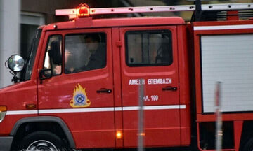 Φωτιά στο Βύρωνα (pics, vids)