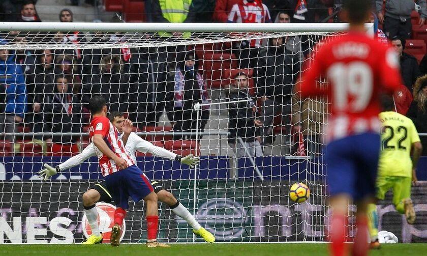 Λουίς Σουάρες: Δύο γκολ, ασίστ και δοκάρι σε 23 λεπτά στο ντεμπούτο του με την Ατλέτικο! (vids)