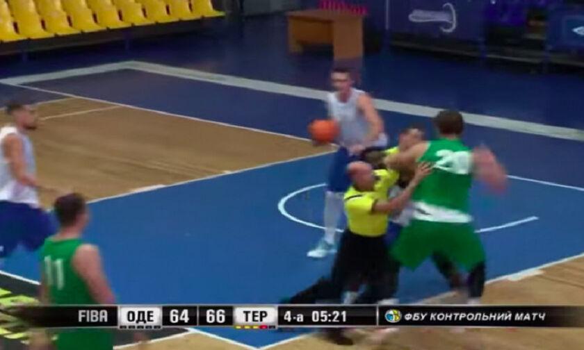 Ξύλο σε φιλικό αγώνα μπάσκετ στην Ουκρανία (vid)