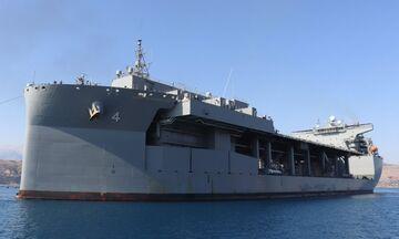 USS Hershel «Woody» Williams: Αυτό είναι το θηρίο που «έδεσε» στη Σούδα (vid)
