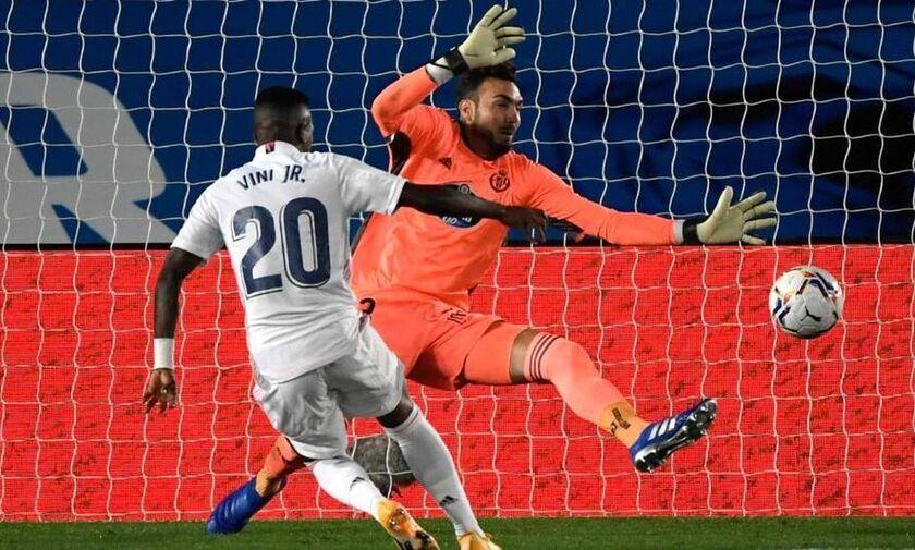 La Liga: Mε Βινίσιους, Κουρτουά κι... άγχος η νίκη της Ρεάλ Μαδρίτης (highlights)