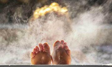 Τι παρατήρησαν οι επιστήμονες στην υγεία όσων κάνουν μπάνιο σε καυτό νερό