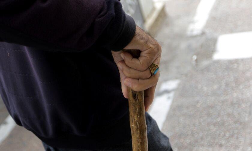 Κορονοϊός: Σπεύδουν σε αθηναϊκό γηροκομείο Τσιόδρας-Χαρδαλιάς - 32 κρούσματα