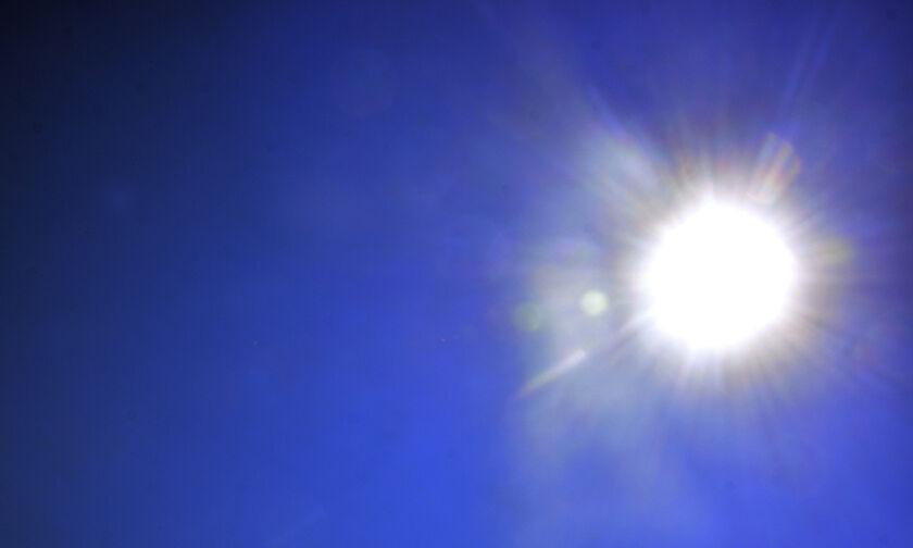 Καιρός: Μικρή άνοδος της θερμοκρασίας - Μεταφορά σκόνης στα δυτικά και τα νότια