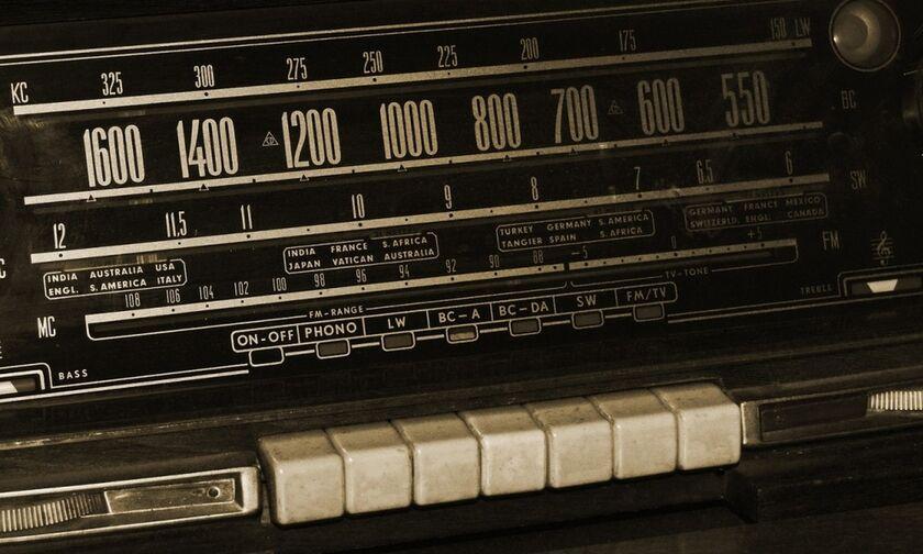 Ραδιόφωνο: Οι τάσεις στις ακροαματικότητες - Η πρωτιά του ΣΚΑΪ, η ισοπαλία στην τρίτη θέση