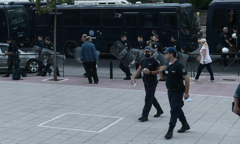 Δίκη Χρυσής Αυγής: Οι πρώτες εικόνες - Κυκλοφοριακές ρυθμίσεις, επί ποδός 2.000 αστυνομικοί (vid)