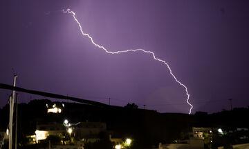 Καιρός: Πού θα έχουμε ισχυρές βροχές και καταιγίδες