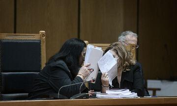 Δίκη Χρυσής Αυγής: Κάθειρξη 13 ετών στην ηγεσία - Ισόβια και 18 χρόνια στον Γιώργο Ρουπακιά (vid)