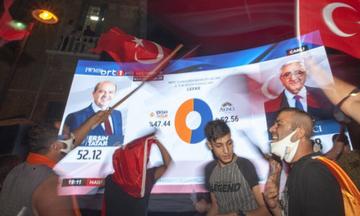 Κύπρος: Ο εκλεκτός του Ερντογάν, Ερσίν Τατάρ νικητής στις «εκλογές» στα Κατεχόμενα (pic)