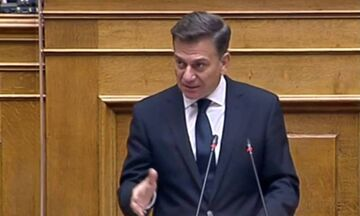 Επίθεση ΣΥΡΙΖΑ στην κυβέρνηση για το άνοιξε-κλείσε των γηπέδων: «Μητσοτάκης ανακαλεί Μητσοτάκη...»