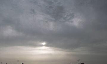 Καιρός: Πτώση της θερμοκρασίας - Πού θα έχουμε νεφώσεις με τοπικές βροχές