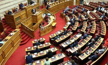 Βουλή: Καταψηφίστηκε η πρόταση δυσπιστίας κατά του υπουργού Οικονομικών Χρήστου Σταϊκούρα