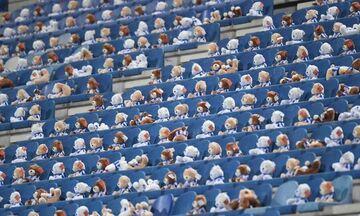 Παγκόσμια υπόκλιση στη Χέρενφεν: Γέμισε το γήπεδο με 15.000 αρκουδάκια για φιλανθρωπικό σκοπό (vid)