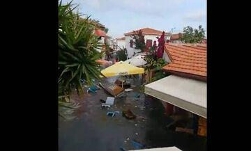 Σεισμός: Η θάλασσα άρχισε να υποχωρεί πριν το τσουνάμι (vid)!