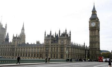 Ξεπέρασε το 1 εκατ. κρούσματα το Ηνωμένο Βασίλειο