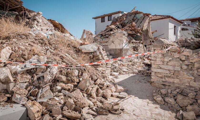 Τουρκία: Στους 51 ο αριθμός των νεκρών, 896 τραυματίες από τον σεισμό