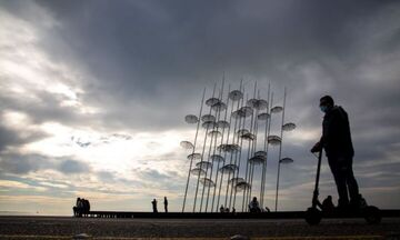 Lockdown Θεσσαλονίκη-Σέρρες: Με τηλεκπαίδευση τα μαθήματα- Τι ισχύει για επιχειρήσεις, μετακινήσεις