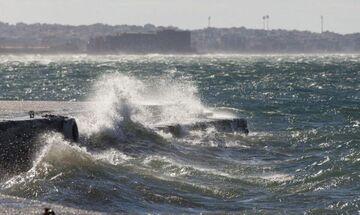 Καιρός: Βροχές στην Κρήτη, ισχυροί άνεμοι στο Αιγαίο