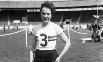 Πέθανε η παλιά Βρετανίδα Ολυμπιονίκης, Τζουν Φόουλντς