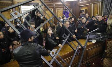 Ναγκόρνο Καραμπάχ: Πούτιν και Αλίεφ επιβεβαιώνουν την εκεχειρία - Διαδηλώσεις στην Αρμενία (vids)