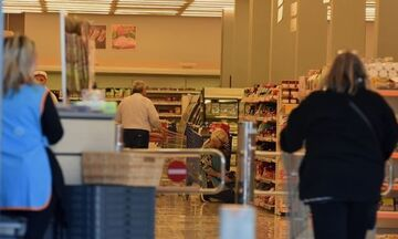 Αλλαγές στα ωράρια των σούπερ μάρκετ: Τι ώρα θα κλείνουν από Δευτέρα (16/11)
