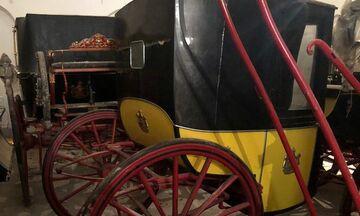 Τι είδε η Μενδώνη στο Τατόι: Οι 12 άμαξες, τα έργα τέχνης, τα έπιπελα εποχής (pics)