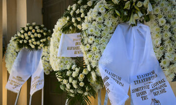 Συλλυπητήρια για τον θάνατο του γιατρού της Βουλής