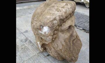 Μοναδική Αθήνα - Κεφαλή αγάλματος βρέθηκε στην Αιόλου