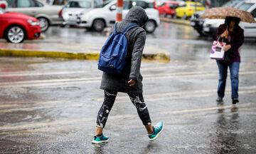 Καιρός: Νεφώσεις σε όλη τη χώρα και τοπικές βροχές
