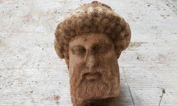 Τον θεό Ερμή απεικονίζει η αρχαία κεφαλή που βρέθηκε στην Αιόλου
