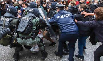 ΕΣΗΕΑ: Έντονη διαμαρτυρία για τον προπηλακισμό και τη σωματική βία εναντίον του Αντώνη Ρηγόπουλου