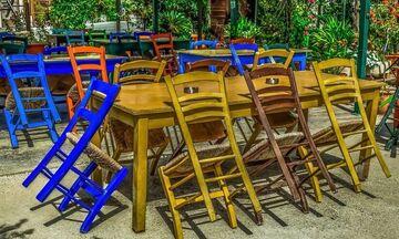 Πέτσας: Το σχέδιο της κυβέρνησης για το άνοιγμα σχολείων, λιανεμπορίου, εστιατορίων, καφέ