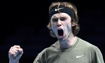 ATP Finals: Νίκη-παρηγοριάς ο Ρούμπλεφ  επί του Τιμ (vids)